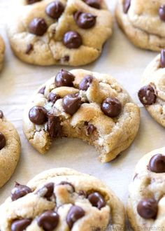 Soft Chocolate Chip Cookies are a tried and true recipe with a special ingredient to keep them soft! These cookies are my go-to chocolate chip cookie! Cookie Desserts, Just Desserts, Cookie Recipes, Delicious Desserts, Dessert Recipes, Yummy Food, Homade Chocolate Chip Cookies, Homemade Cookies, Chocolate Recipes
