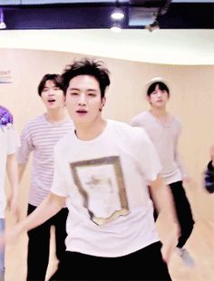 #JB #GOT7. Isn't this illegal? Like really. He's killing every fangirl/fanboy. He's to hot to be living!!!!
