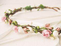 Fleur couronne couronne florale casque nuptiale par NoonOnTheMoon, $68.00