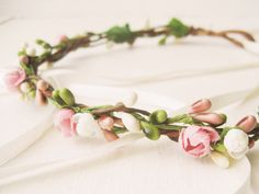 Flower Crown by NoonOnTheMoon // #weddings #flowercrown #hair