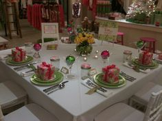 How to Set a Lilly Holiday Party at FAV