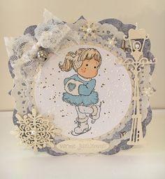 Heidis kortlagingsblogg: Ice Tilda Magnolias, Christmas Cards, Decorative Plates, Ice, Design, Home Decor, Christmas Greetings Cards, Homemade Home Decor, Magnolia