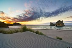 Wharariki Beach Will Make You Want To Go To New Zealand ASAP