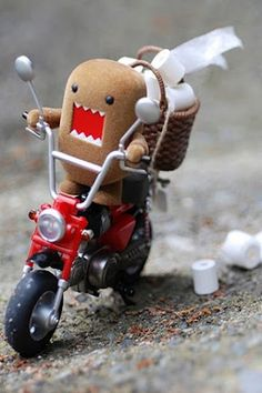 Domo is the shizzle in Japan Japanese Monster, Danbo, Kawaii, Weird Creatures, Designer Toys, Kids Bags, Plushies, Some Fun, Cool Pictures