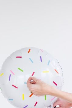 DIY Sprinkle Balloon Stickers - a super easy decorating idea for a Confetti Party!