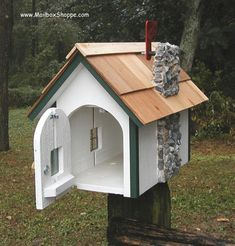 Country Cottage Mailbox - I like the chimney
