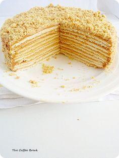 Moskau, Moskau, Russland ist ein schönes Land, packt die Kuchengabeln aus!!!!  Russischer Honigkuchen!!!
