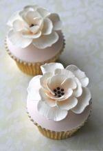 Peach & Ivory Cupcakes