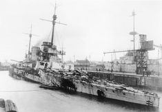 Damage to 11 in German battlecruiser SMS Seydlitz after the Battle of Jutland,1916.