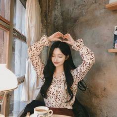 Aesthetic Asian Girls Photo Part 26 - Visit to See More - AsianGram Pretty Korean Girls, Korean Beauty Girls, Cute Korean Girl, Pretty Asian, Cute Asian Girls, Beauty Full Girl, Asian Beauty, Cute Girls, Korean Girl Photo