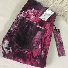 """Hudson BRAND NEW skinny pink multi pants Hudson BRAND NEW skinny pink multi pants. Very soft skinny pants in a velvety corduroy texture.  Lighter weight pants in excellent condition. Add a little color to your wardrobe.  Great all year round. 29"""" inseam and 13.5"""" across front of waist. 216-244 Hudson Jeans Pants Skinny"""