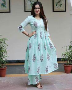 Simple Kurti Designs, Salwar Designs, Kurti Designs Party Wear, New Kurti Designs, Dress Neck Designs, Blouse Designs, Henna Designs, Frock Fashion, Fashion Dresses