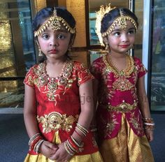 Viranica Manchu Daughters in Gold Jewellery - Indian Jewellery Designs Frocks For Girls, Dresses Kids Girl, Kids Outfits, Baby Dresses, India Fashion, Kids Fashion, Fashion Ideas, Fashion Design, Indian Jewellery Design