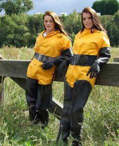 Afbeeldingsresultaat voor girls in rubber waders Vinyl Raincoat, Pvc Raincoat, Yellow Raincoat, Spice Girls, Wellies Boots, Rain Boots, Sexy Women, Women Wear, Heavy Rubber