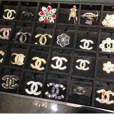 brooches 😍 pic by Chanel Jewelry, Fashion Jewelry, Wholesale Boutique Clothing, Chanel Brooch, Luxury Lifestyle Fashion, Boujee Aesthetic, Chanel Fashion, Chanel Style, Boho Sandals