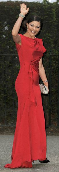 Crown Princess Victoria of Sweden attends a gala pre-wedding dinner held at the Mandarin Oriental Hyde Park on April 28, 2011 in London, England. (April 27, 2011 - Source: Pascal Le Segretain/Getty Images Europe)