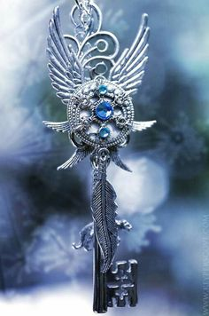 Ice Wind Key Necklace by *KeypersCove on deviantART Key Jewelry, Cute Jewelry, Jewelery, Jewelry Accessories, Fashion Accessories, Kurt Tattoo, Elfen Fantasy, Steampunk, Magical Jewelry