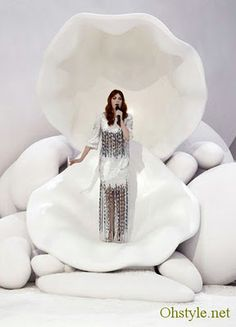 Chanel, Florence Welch.