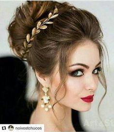 #Repost @noivostchucos with @repostapp ・・・ Penteado lindo, gente!  Via IG fofo da Salema @noivasbr  . . #batomvermelho #coroadenoiva #acessoriodenoiva  #noivas #maquiagem #maquiagemdanoiva #penteadodanoiva #penteado #diadanoiva #diadenoiva #makediva #makeup #noivalinda #NoivosTchucos #inspiração #inspiration #bride #noiva #olhoesfumado #olhosesfumados #brinco #maquiagemdenoiva #coque #penteados #penteadodefesta #noivas2017  #casamento2016 #casamento #casamentos .