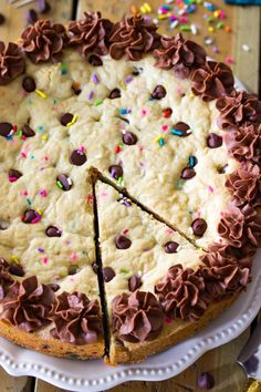 The Best Chocolate Chip Cookie Cake Recipe. Delicious & easy!