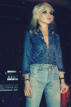 classic 80s denim Blondie Debbie Harry, Debbie Harry Style, Debbie Harry Hair, Vintage Jeans, Look Vintage, Vintage Stil, Five Jeans, All Jeans, Skinny Jeans