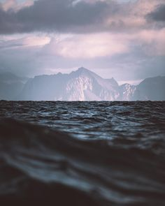 Counting hours until back at the open waters... Shot this just moments before the storm winds rolled in from north of Senja making it an adventure trying to get back to the Andøya harbor. 🌬🌨