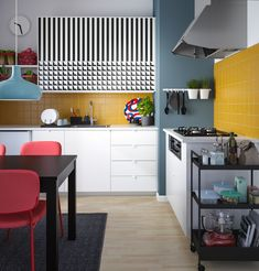 Black Kitchen Chairs Cheap – Finding the Best Chairs Kitchen Prep Table, Kitchen Work Tables, Apple Kitchen Decor, Colorful Kitchen Decor, Kitchen Table Makeover, Kitchen Chairs, Rustic Kitchen, Orange Kitchen, Big Kitchen