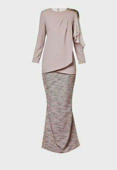 Baju Kurung moden for tunang Kebaya Muslim, Kebaya Modern Hijab, Muslim Dress, Modest Fashion, Hijab Fashion, Fashion Dresses, Batik Mode, Hijab Stile, Moslem Fashion