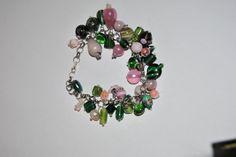 bracciale charms con perline verdi e rosa