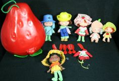 Vintage Strawberry Shortcake & Friends 1979-81 6 Dolls Carry Case  #AmericanGreetings Vintage Strawberry Shortcake, American Greetings, Dolls, Christmas Ornaments, Friends, Holiday Decor, Ebay, Strawberry Shortcake, Baby Dolls