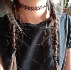 No one understands how much I want this choker... Buttttt Bethany Mota did make a video on YouTube on how to make these.. It's pretty awesome and you should go check it out ;)