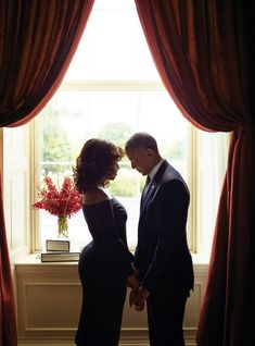 The President of the United States of America Barack Obama and his beautiful wife, First Lady Michelle Obama are one stunning pair on the cover of Essence Magazine's October 2016 issue. Michelle Et Barack Obama, Barack Obama Family, Obama President, Michelle Obama Quotes, Black Love, Black Is Beautiful, Black Art, Beautiful People, Beautiful Family