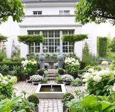 Beautiful garden | Blooms ,Gardens, and Landscapes | Pinterest | Gardens