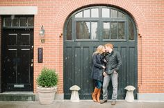 Stealing a kiss in the snow! Brooklyn Heights engagement session featured on Brooklyn Bride. #snow #brooklyn #romantic #photography #engagements  Photography by www.brklynview.com