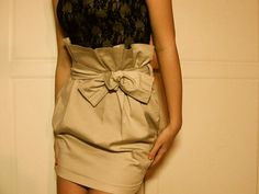 this is my kind of skirt. bow and all :)