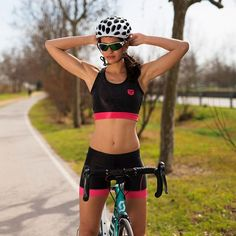 One piece or two pieces? Here the tri top & tri short outfit 🏊🚴🏃 Tri Shorts, Chase Your Dreams, Road Cycling, Short Outfits, Two Pieces, Bicycles, Wheels, Swimming, One Piece