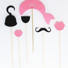 Lot de 6 accessoires photobooth anniversaire princesse pirate -noir et rose