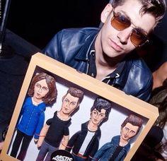 Arctic Monkeys aren´t a fu**ing boyroup! Look at Alex face, he doesn´t like it either :-D Alex Turner, Monkey Icon, Monkey 3, Mtv, Alex Arctic Monkeys, Monkey Puppet, Matt Helders, Cool Fire, The Last Shadow Puppets