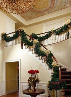 Christmas Decorations Home Design Photos #livingwikii #DIY #christmas #whitechristmas #christmastree