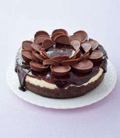 Woman in the kitchen: Peanut Butter Cup Cheesecake