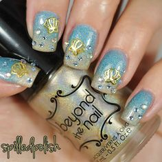 What Christmas manicure to choose for a festive mood - My Nails Beach Nail Art, Beach Nail Designs, Beach Nails, Nail Art Designs, Funky Nail Art, Funky Nails, Cute Nail Art, Summer French Nails, Summer Nails