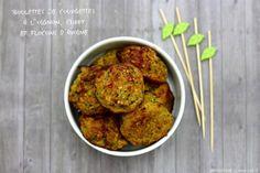 J'adore les boulettes... voici donc une nouvelle idée pour réaliser des boulettes. Cette fois ci comme accompagnement ou pour un plat végétarien, avec de la courgette, oignon, curry, un peu de parmesan, basilic et des flocons d'avoine! Les flocons d'avoine... Cuisine Diverse, Vegetarian Recipes, Healthy Recipes, Lactose Free, Falafel, Tandoori Chicken, Healthy Cooking, Entrees, Curry