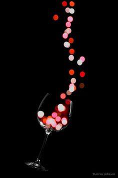 Festive 'Wine dazzle' Glass Photography by Darren Johnson Glass Photography, Creative Photography, Photography Ideas, Led Xmas Lights, Pinot Noir Wine, Wine Art, Wine Time, Wine Making, Light Painting