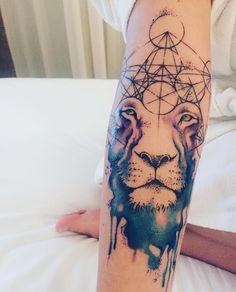 watercolor Lion tattoo / Leão tatuagem aquarela. Feito por Rodrigo Tas.