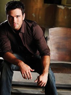 Yep, I love him. Best Country Music, Country Men, Country Music Singers, Country Artists, Country Songs, Chuck Wicks, Attractive Guys, Mp3 Song, Pretty Boys
