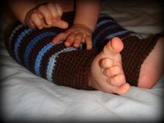 Ravelry: Easy Crochet Longies pattern by Dedri Uys Crochet Pants Pattern, Crochet Wool, Crochet Gifts, Crochet Patterns, Kids Patterns, Crochet Ideas, Knitting Patterns, Crochet For Kids, Easy Crochet