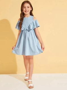 To find out about the Girls Cold Shoulder Ruffle Detail Flare Dress at SHEIN, part of our latest Girls Dresses ready to shop online today! Baby Summer Dresses, Cute Girl Outfits, Cute Summer Outfits, Little Girl Dresses, Baby Dress, Kids Outfits, Girls Dresses, Kids Dress Wear, Frocks For Girls