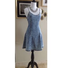 🔥Acid wash denim dress  🔥 Acid wash denim dress  with zipper at back  1 Large left***stretchy fabric*** ( This is a item from my boutique and has never been used) *** listed under ZARA for visibility Zara Dresses