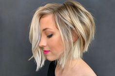 Fall hairstyles for Want to style short wavy hair like a pro? Don't pass by this useful post! Some useful tips & inspiring ideas are here for you to find the best wavy hairdo. Modern Bob Hairstyles, Oval Face Hairstyles, Short Hairstyles For Thick Hair, Haircuts For Fine Hair, Choppy Haircuts, Fall Hairstyles, Medium Thin Hair, Short Thin Hair, Short Hair Cuts