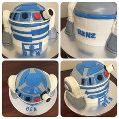 R2D2 Star Wars Birthday Cake.
